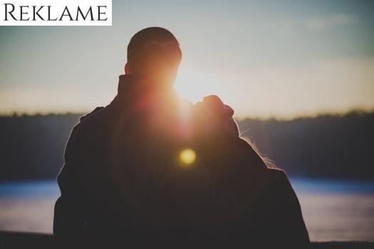 Kærlighed i luften? Invitér på romantisk date på altanen – sådan gør du